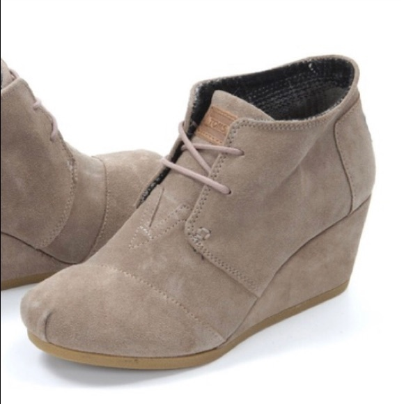Toms Shoes | Toms Tan Desert Wedge